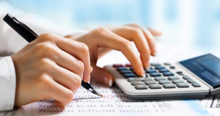 payroll outsourcing atau payroll specialist
