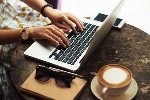Mengenal Copywriter, Peramu Tulisan Menarik untuk Produk Anda