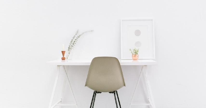 Pastikan Pencahayaan Cukup desain ruang kerja