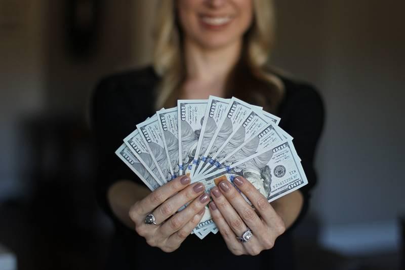 gaji wanita pekerja