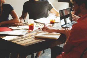 Apa Saja Kewajiban Karyawan Terhadap Perusahaan?