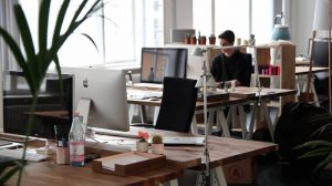 HRD Harus Tahu! 8 Kegunaan Aplikasi Presensi untuk Pengelolaan SDM